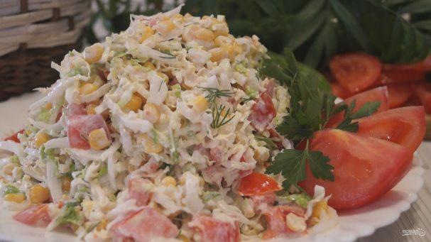"""Салат с пекинской капустой """"Просто и вкусно"""""""