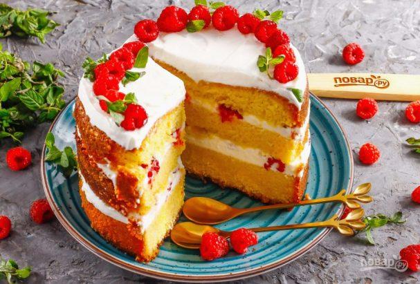 Бисквитный торт с малиной