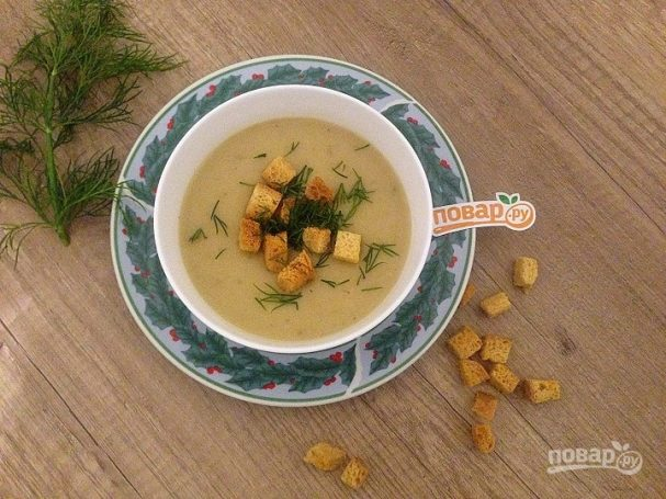Луково-сельдерейный суп с грибами