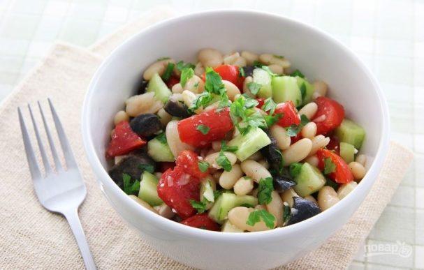 Салат из отварной фасоли