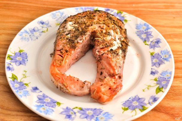 Стейк лосося в фольге
