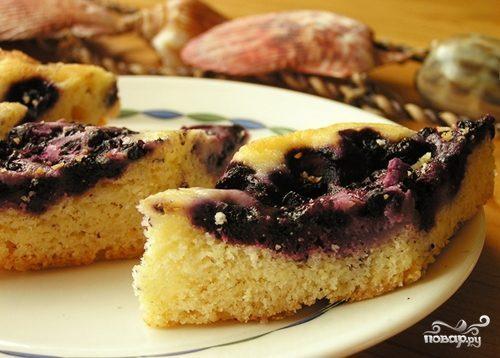 Пирог с черничным вареньем в мультиварке