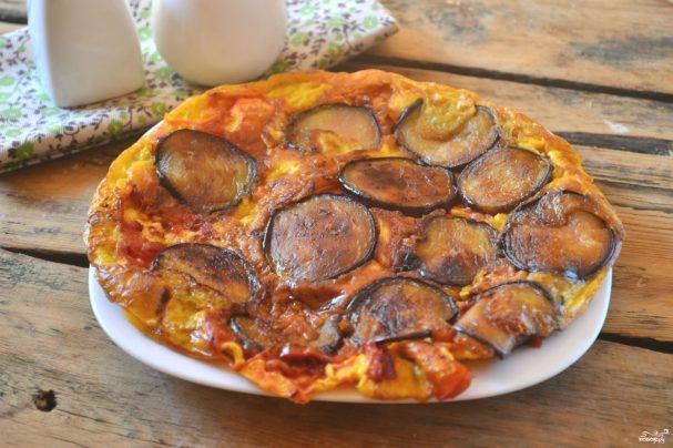 Омлет с баклажанами и помидорами