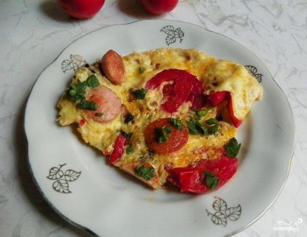 яичница с грибами и помидорами и сыром