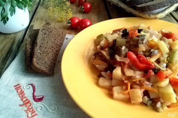 Овощное рагу с баклажанами и кабачками