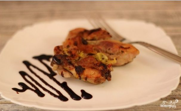 Курица с киви в духовке