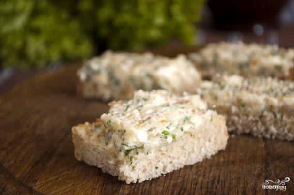 Бутерброды с копченым кальмаром