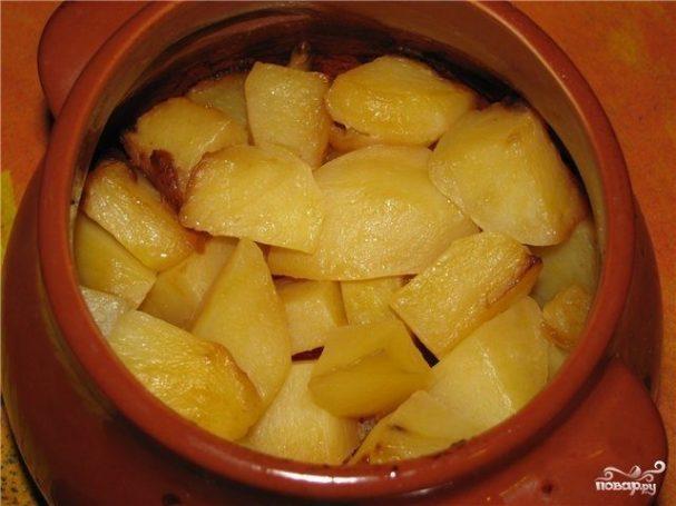 Картофель запеченный в горшочке