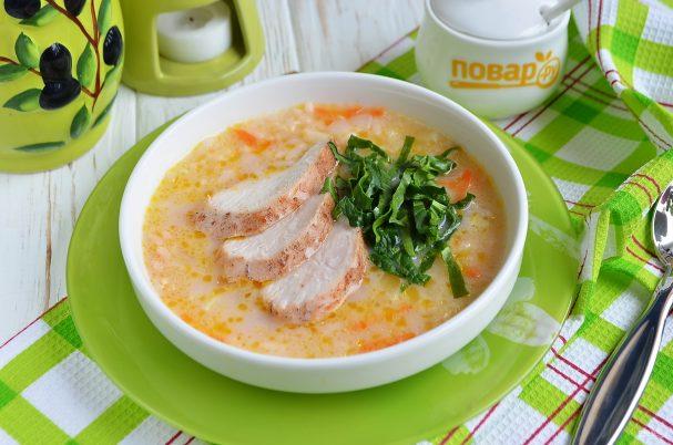 Нежный рисовый суп с курицей и шпинатом