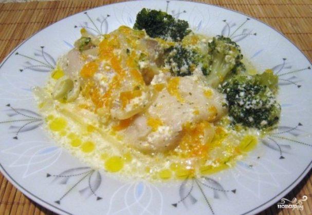 Пангасиус, тушеный с овощами