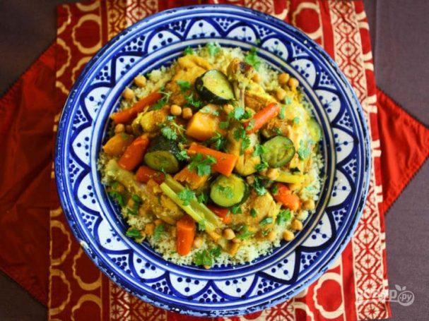 Курица с кускусом и овощами