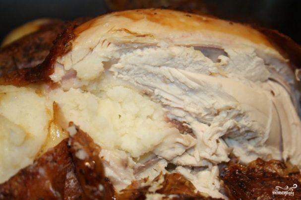 Курица, фаршированная картошкой в духовке
