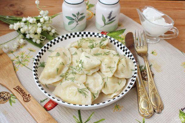 Вареники с солеными груздями и картошкой