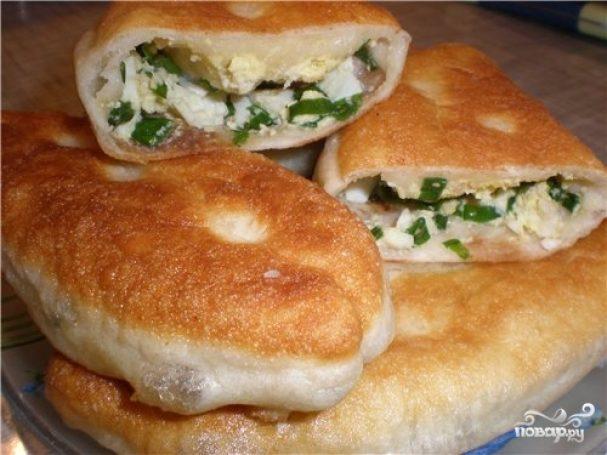 рецепт пирожков с луком и яйцом на сковороде