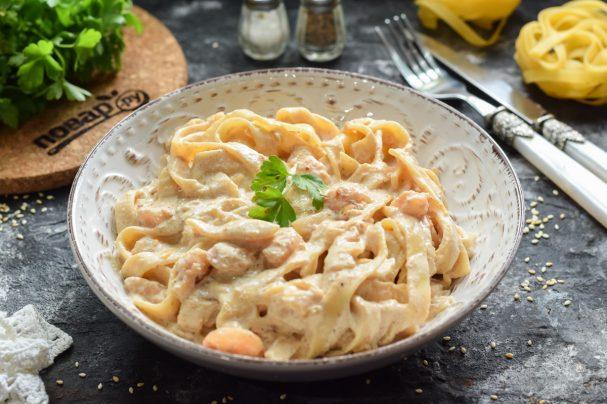 Тальятелле с креветками в сливочном соусе