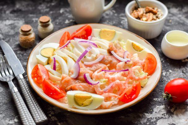 Салат из пекинской капусты с морепродуктами