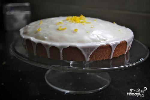 Пряный лимонный пирог с глазурью