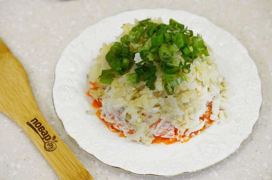 10. Оставшийся картофель и зеленый лук.