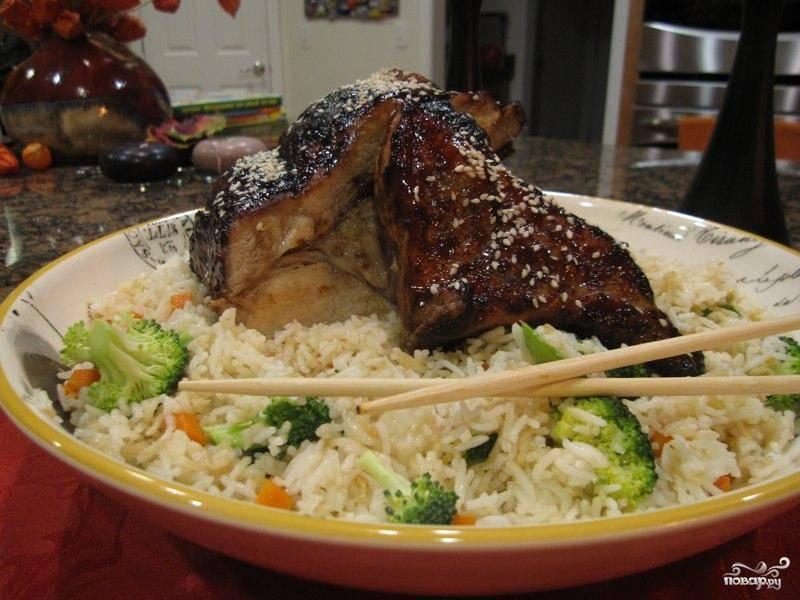Рёбрышки по-китайски с жареным рисом