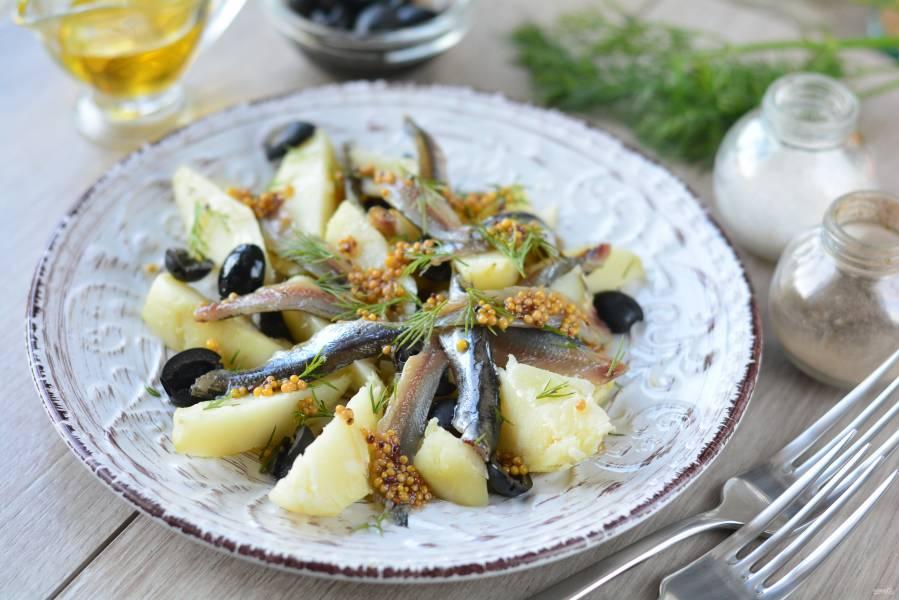 Картофельный салат с анчоусами