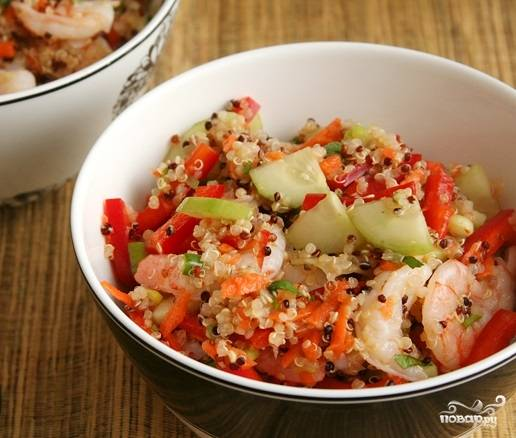5. Вот и все, теперь вы знаете, как приготовить салат с киноа и креветками в домашних условиях. Очень аппетитно выглядит, правда?  Приятного аппетита!
