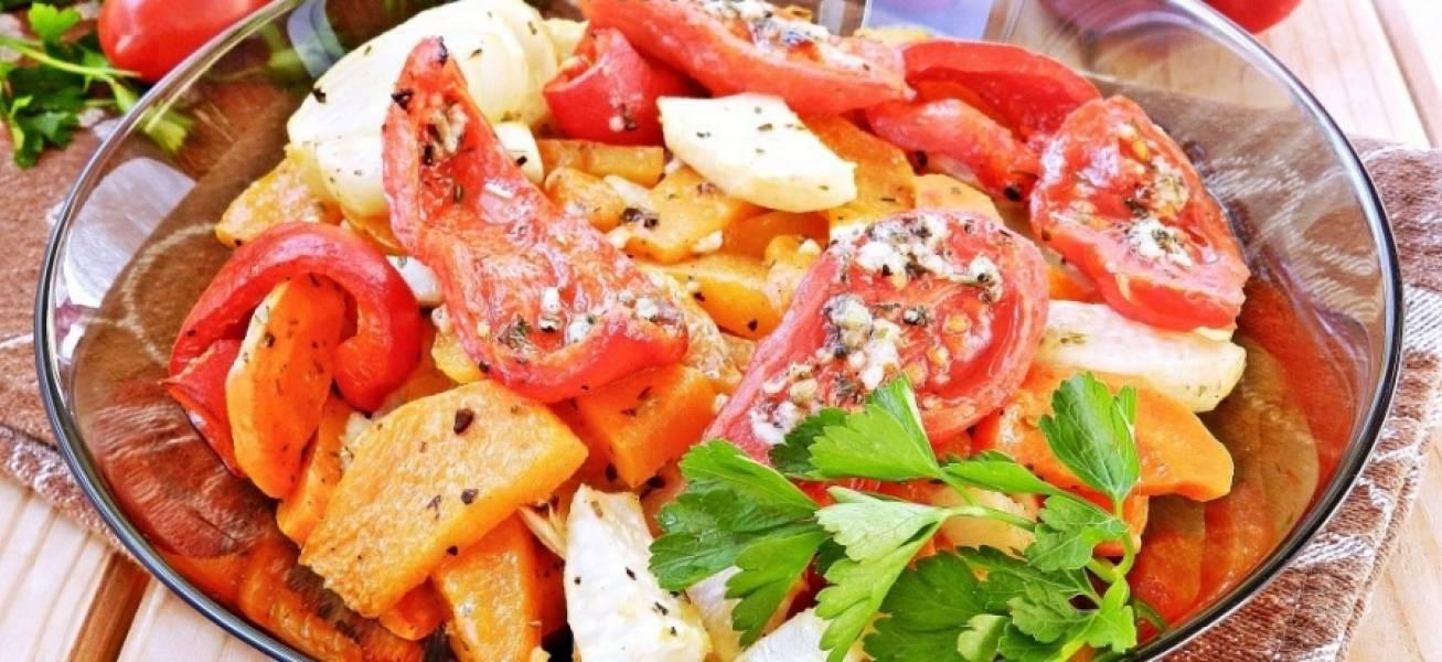 5. Готовое блюдо можно украсить зеленью. Подавать овощное рагу с тыквой можно в горячем и холодном виде.