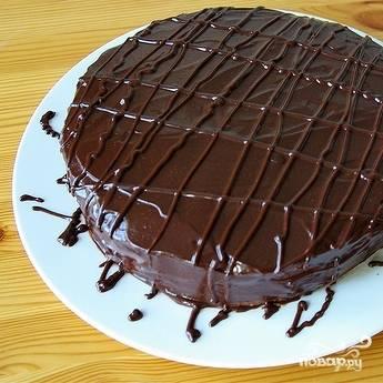 "13. Мой торт ""Прага"" украшен шоколадом. Приятного аппетита!"