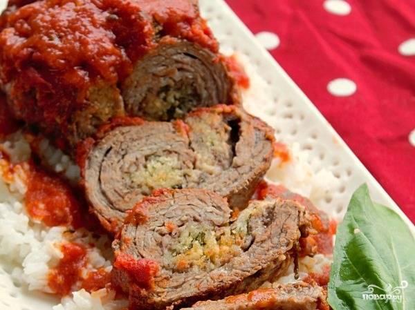 Мясо с базиликом в духовке