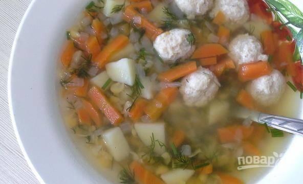 За 3 минуты до готовности добавьте в суп измельчённый укроп. Приятного аппетита!