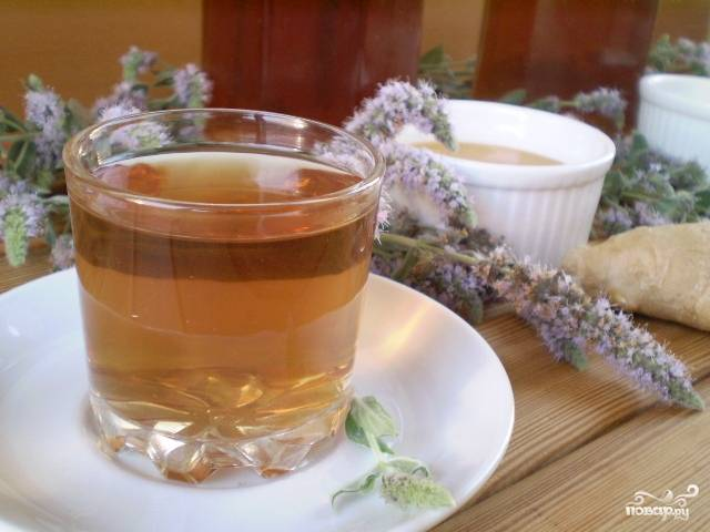 Медовый напиток с мелиссой