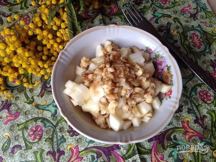 Салат с кальмарами и сыром