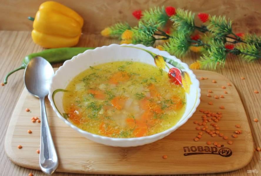 Суп с чечевицей без мяса готов. Подавайте на первое в обед.
