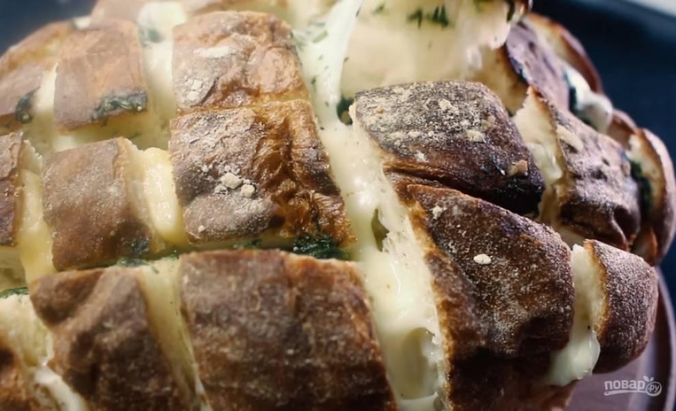 4.Отправьте хлеб в разогретую до 180 градусов духовку на 20 минут. Приятного аппетита!