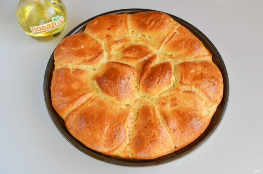8. Заливной хлеб готов. Остудите немного и пробуйте!