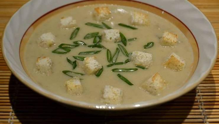 Ну вот и все! В готовый суп добавьте гренки и зелень! Приятного аппетита!