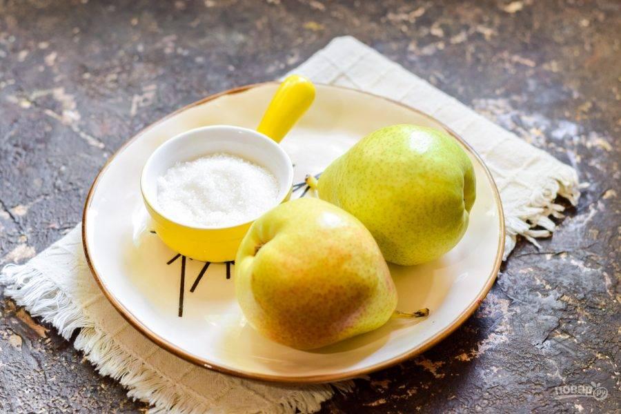 Подготовьте ингредиенты. Простерилизуйте банку удобным способом — в духовке или над паром.