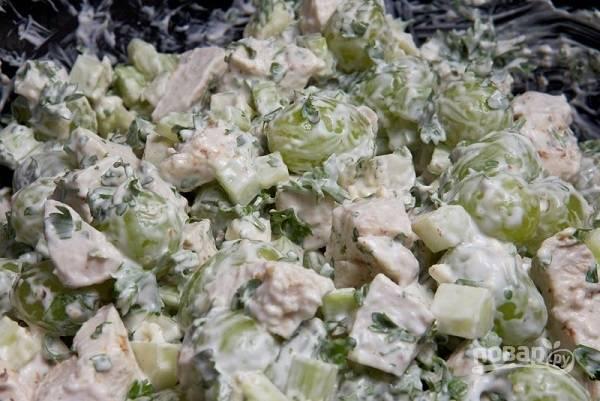 11. Все, любимый салатик можно подавать к столу. По желанию можете добавить горсть тертого сыра. Приятного аппетита!