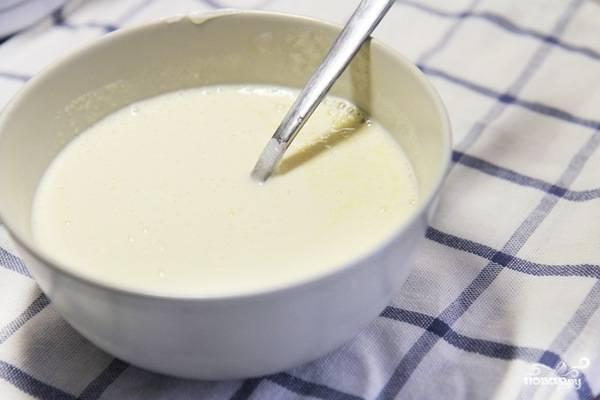 Первым делом подготовим йогурт.
