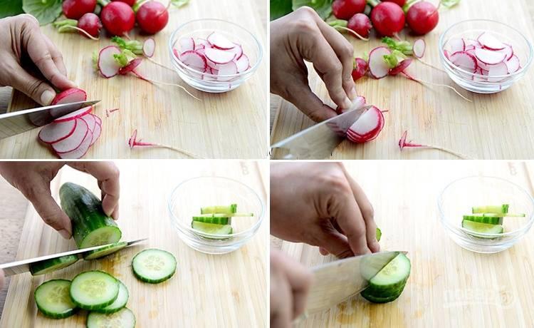 5. Нарежьте огурец и редис на слайсы.