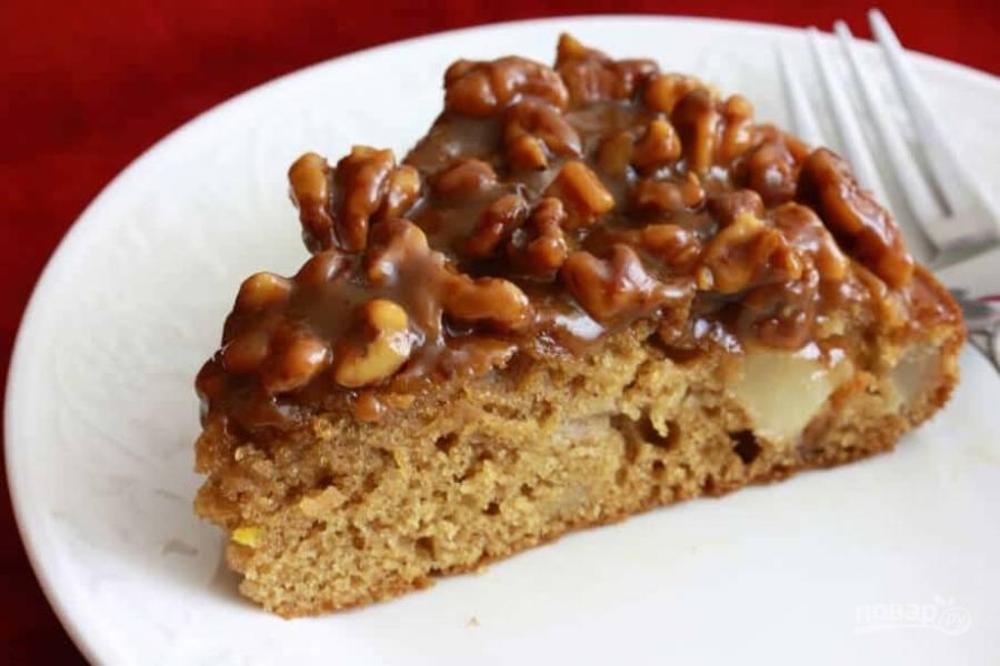 Пирог с грушами и орехами