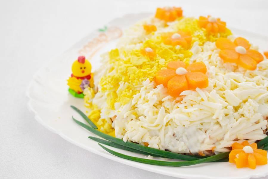 """Салат """"Пасхальное яйцо"""" с цветами"""