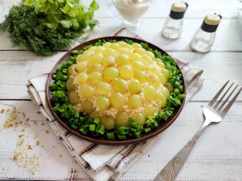 """Салат """"Броненосец"""" готов. Приятного аппетита!"""