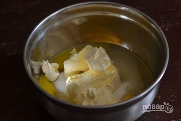3. Выложите размягченное сливочное масло или качественный маргарин.