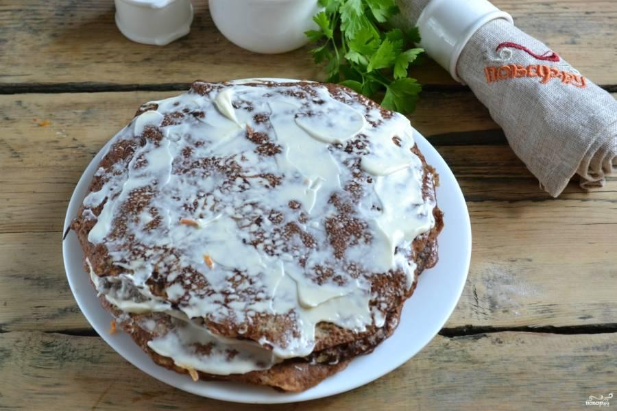 9.Таким образом смажьте весь торт.