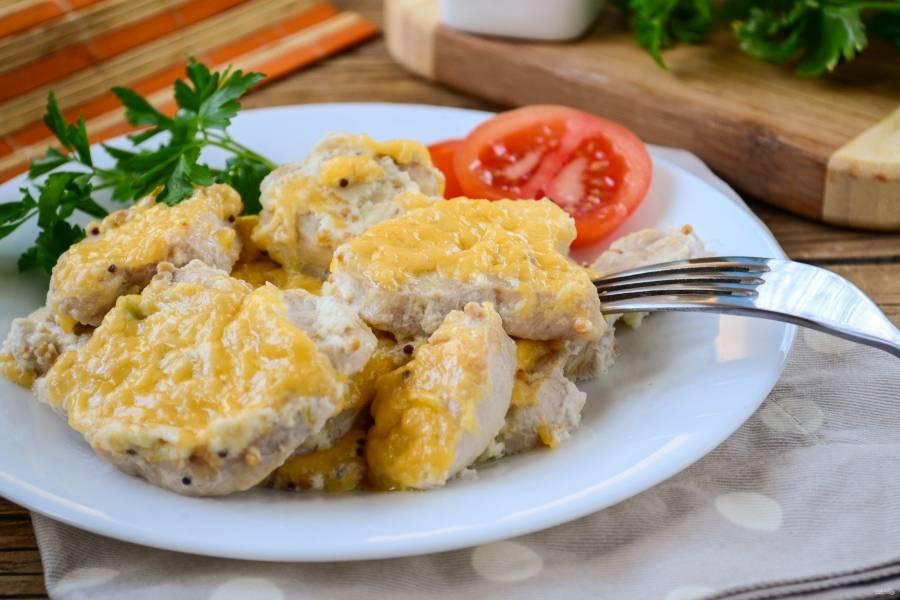 Куриное филе в сливочном соусе готово. Подавайте с любимым гарниром. Приятного аппетита!
