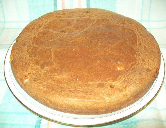 Вот так выглядит готовый заливной пирог с мясом. Пробуйте!