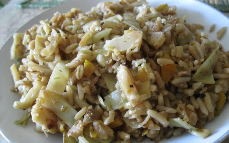 6. Подается цветная капуста с луком в горячем и даже в холодном виде. Приятного аппетита!