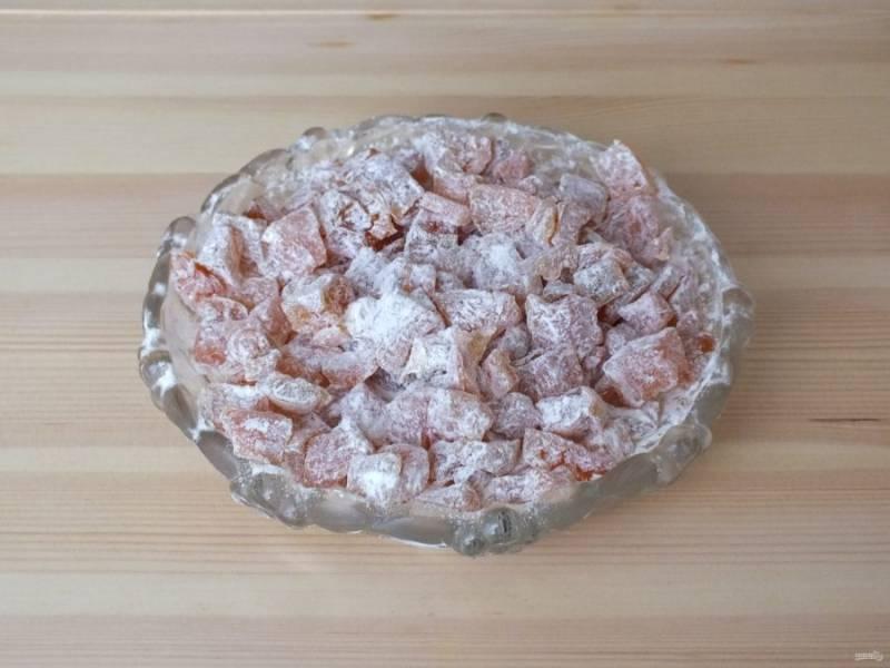 7. Готовые цукаты пересыпьте крахмалом и храните в стеклянной таре, не закрывая крышкой.