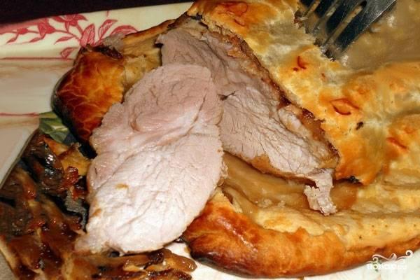 Слоеное тесто со свининой
