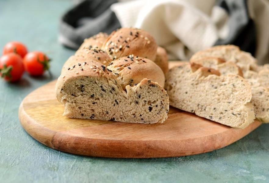 Хлеб с кунжутом готов, приятного аппетита!